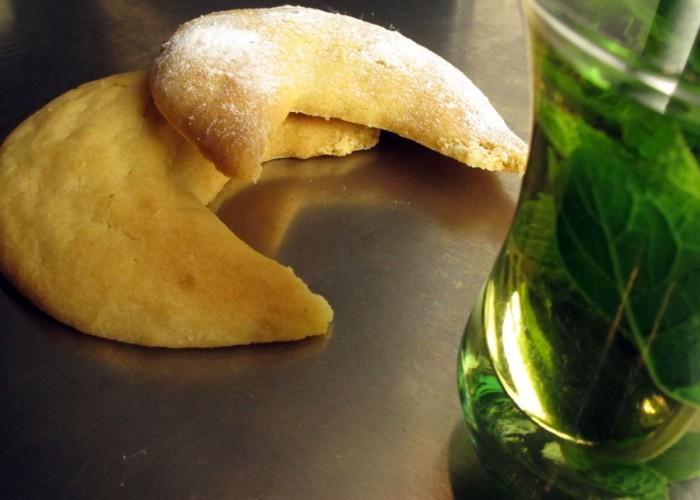 Casablanca-Menü Dessert: Mandel-Honig-Hörnchen mit Pfefferminztee