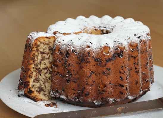 tradition des kaffeetrinkens� mit kuchen am nachmittag gibt