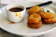 Kochen wie im Hause Grimm: Grießklößchen mit Hagebuttensauce