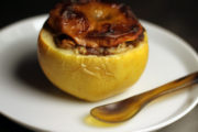 Entstaubte Klassiker: Bratäpfel mit Dulce de Membrillo