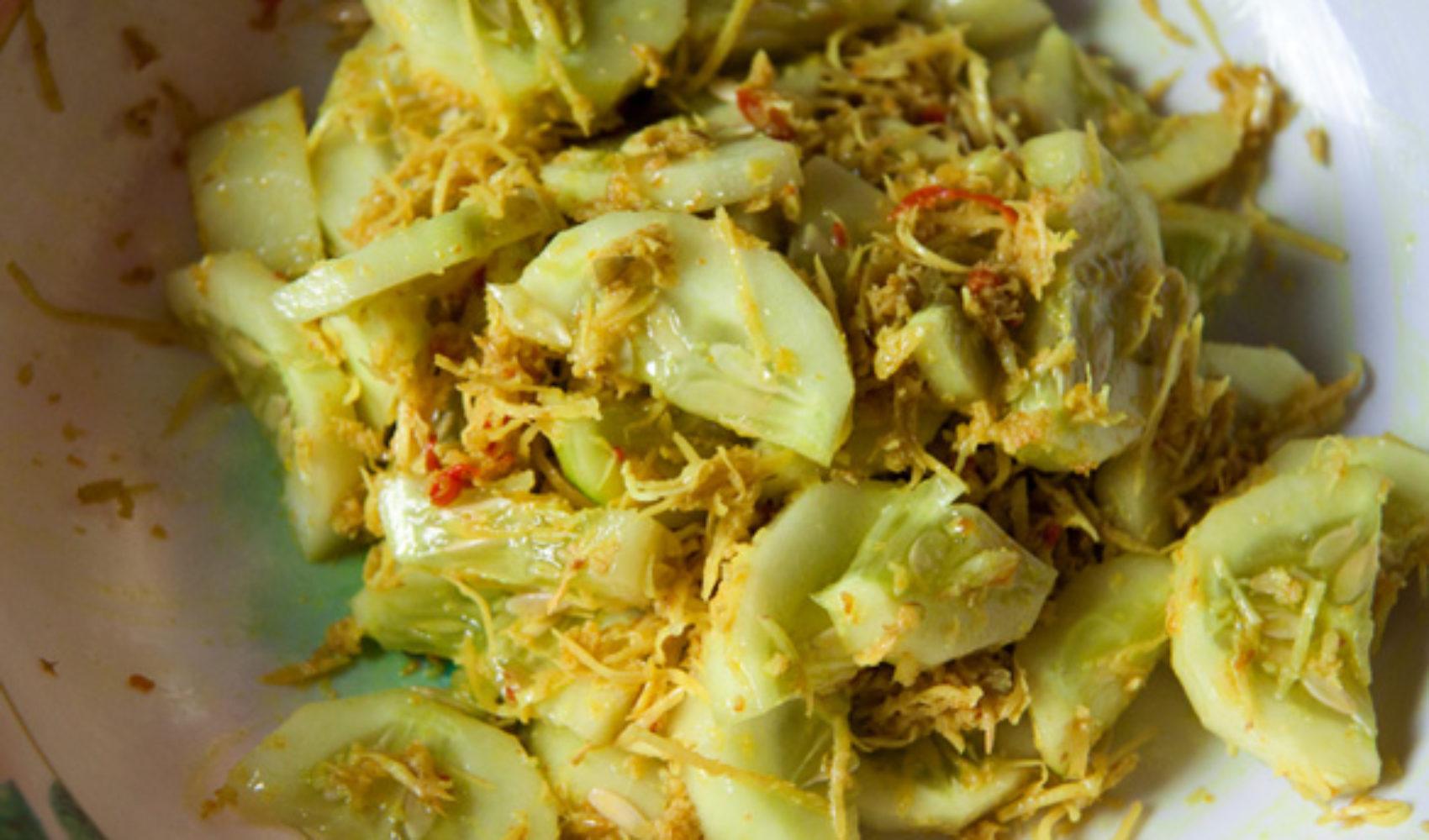 Bali III: Die Rezepte - Urap Timun - indonesischer Gurkensalat