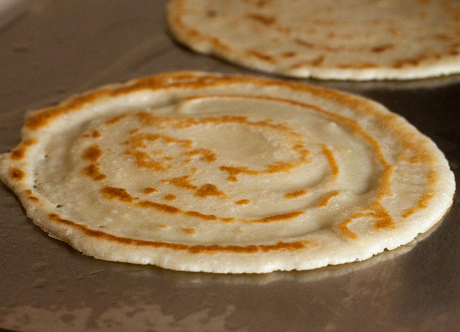 Pfannkuchen mit Kokosfüllung