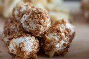 Partysnack: Frischkäsebällchen mit Meerrettich