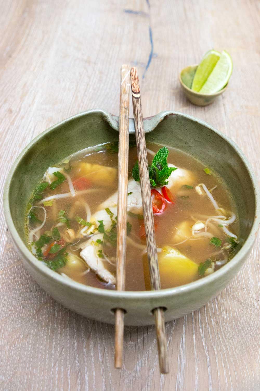 ZUbereitung Saure Fischsuppe